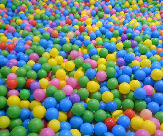 五彩海洋球