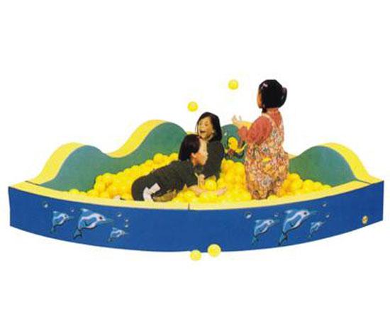 三角海洋球球池