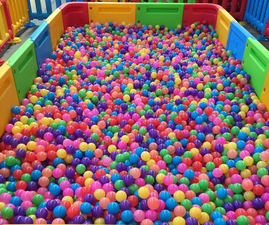 海洋球球池