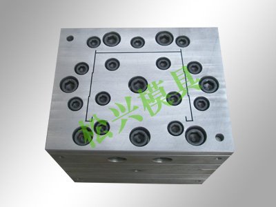wire-casing mould