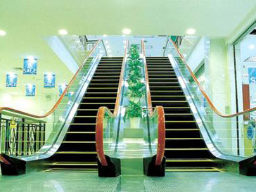 电梯与电梯厅的清洁保养