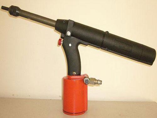 RY-602一体式液压连续无芯铆钉枪
