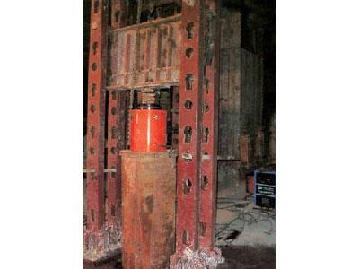 500吨级锚杆静压钢管桩装罝