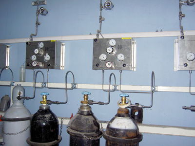 气瓶室布置图