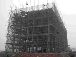 施工中的六层宿舍楼