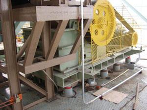 上钢三厂破碎机安装DJZD型隔振