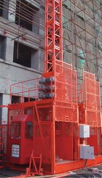 施工電梯3