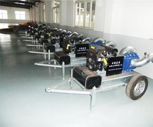 150m3/h汽油机驱动手推泵车