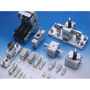 特快速熔断器(多用于半导体、自动化及交通控制领域)