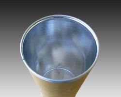 内复复铝箔的纸桶<br> Barrel lined with aluminium foil