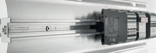 使用AirSTREAM布线系统降低柜内温度