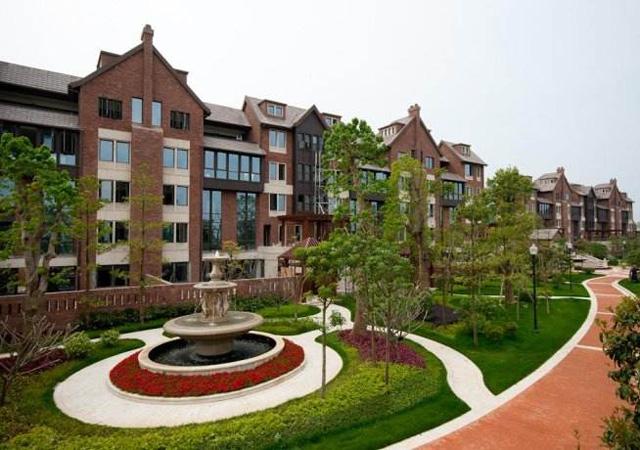 上海华润置地橡树湾高档住宅小区 2009年11月 3万㎡ EPS薄膜面系统